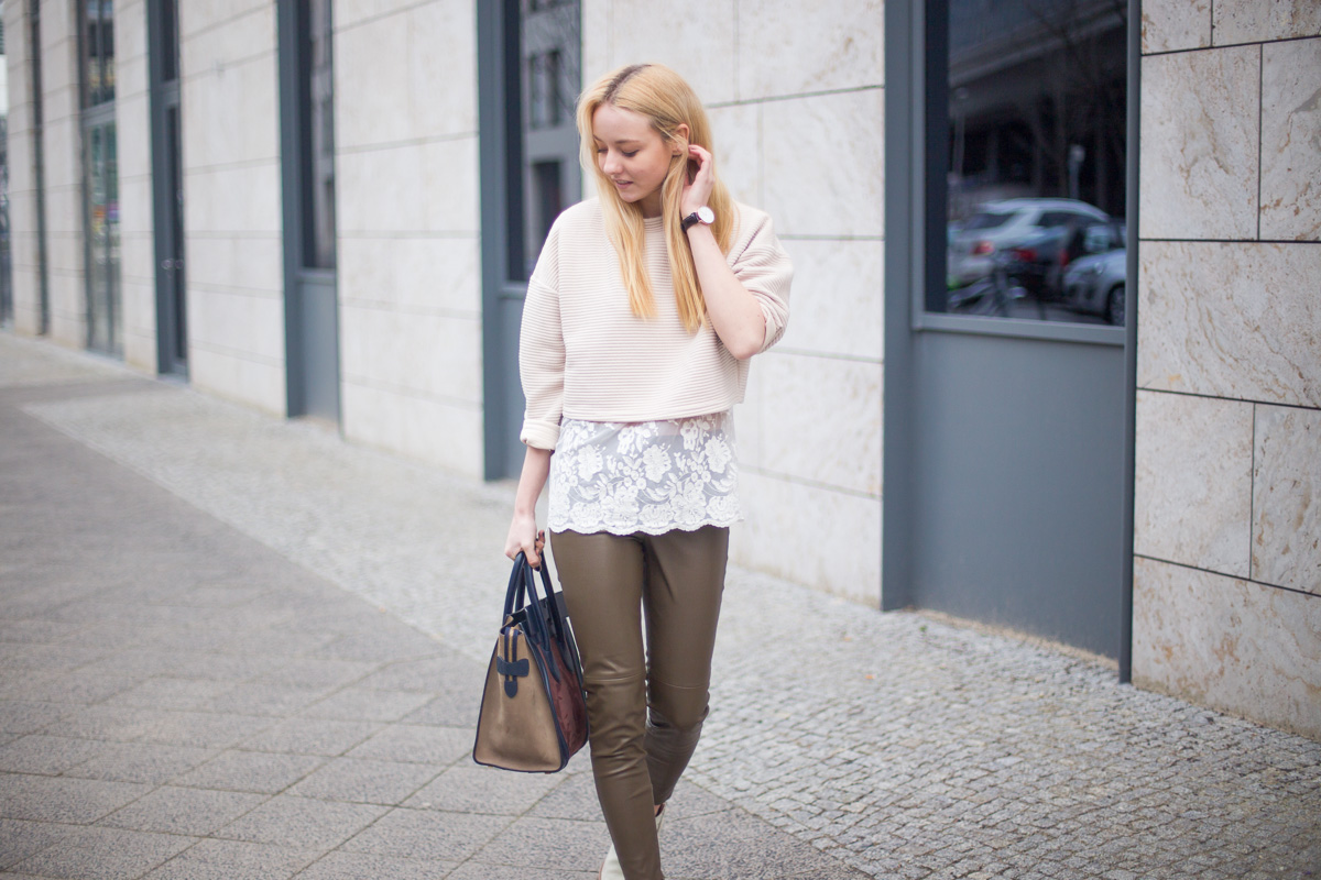 berlin-fashionblogger-streetstyle-london-acne-superga-rebeccaminkoff