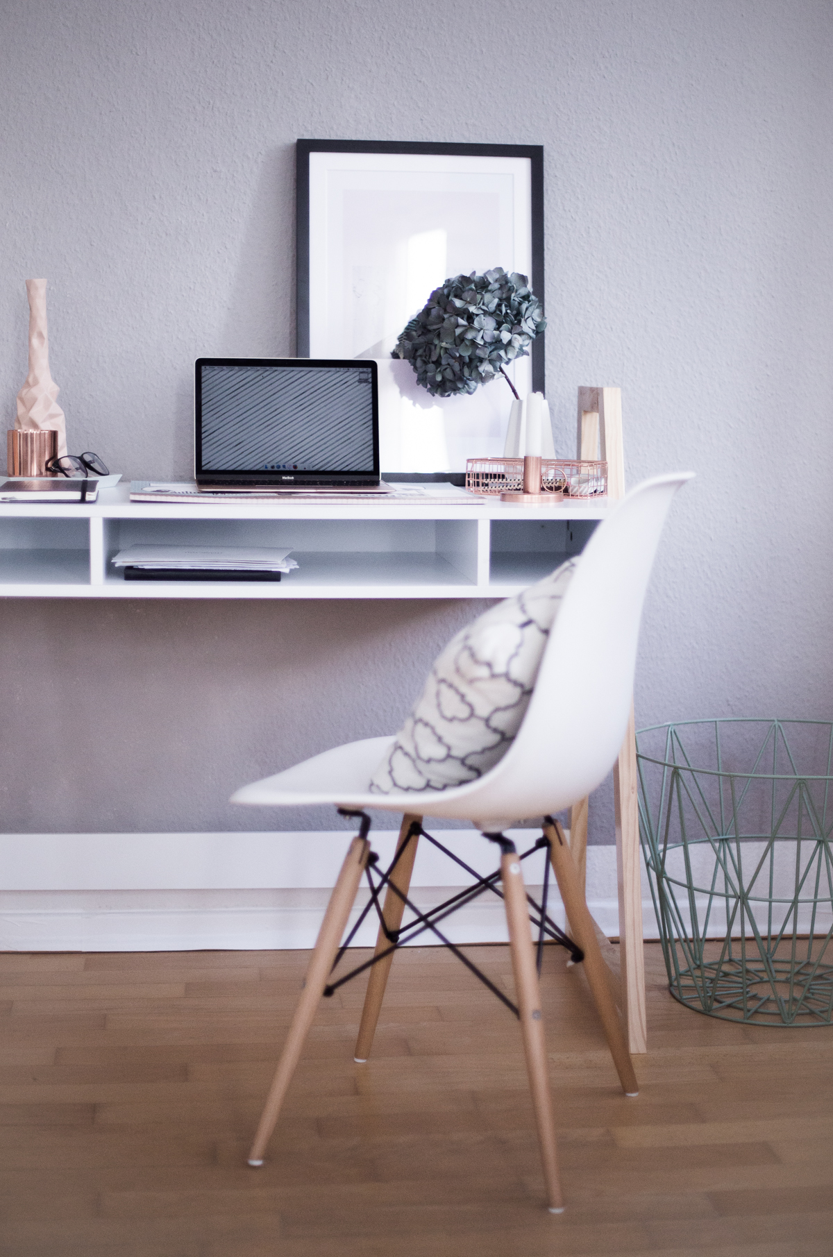 Video: How to create a stylish Home Office