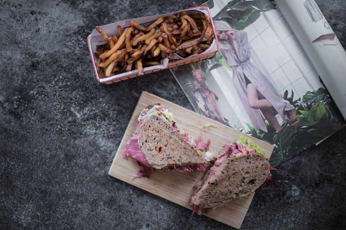 modeblog-fashionblog-deutschland-berlin-blogger-outfit-style-food-pastrami-nyc-fries