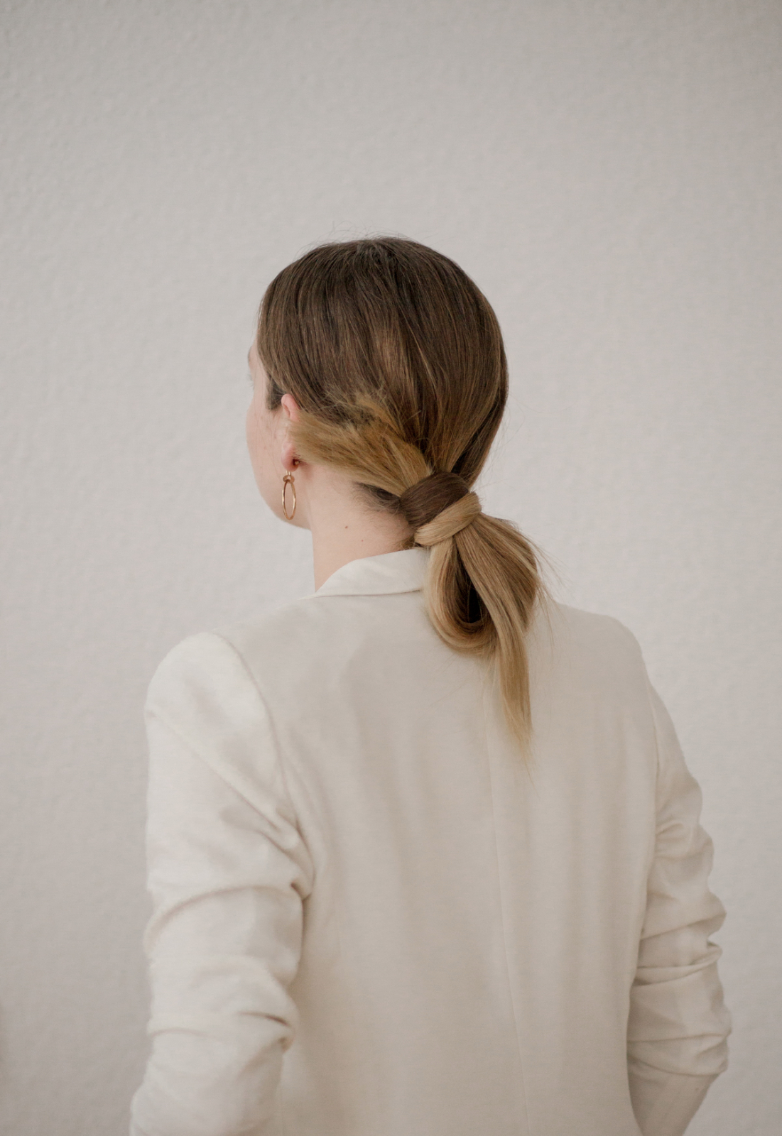chignon for Christmas Wella Oil Reflections Light Berlin Tasche Adventskalender 2016 online für frauen The-Limits-of-Control-Fashion-Fashionblogger-Blogger-Berlin-Deutschland-Modeblog-Modeblogger