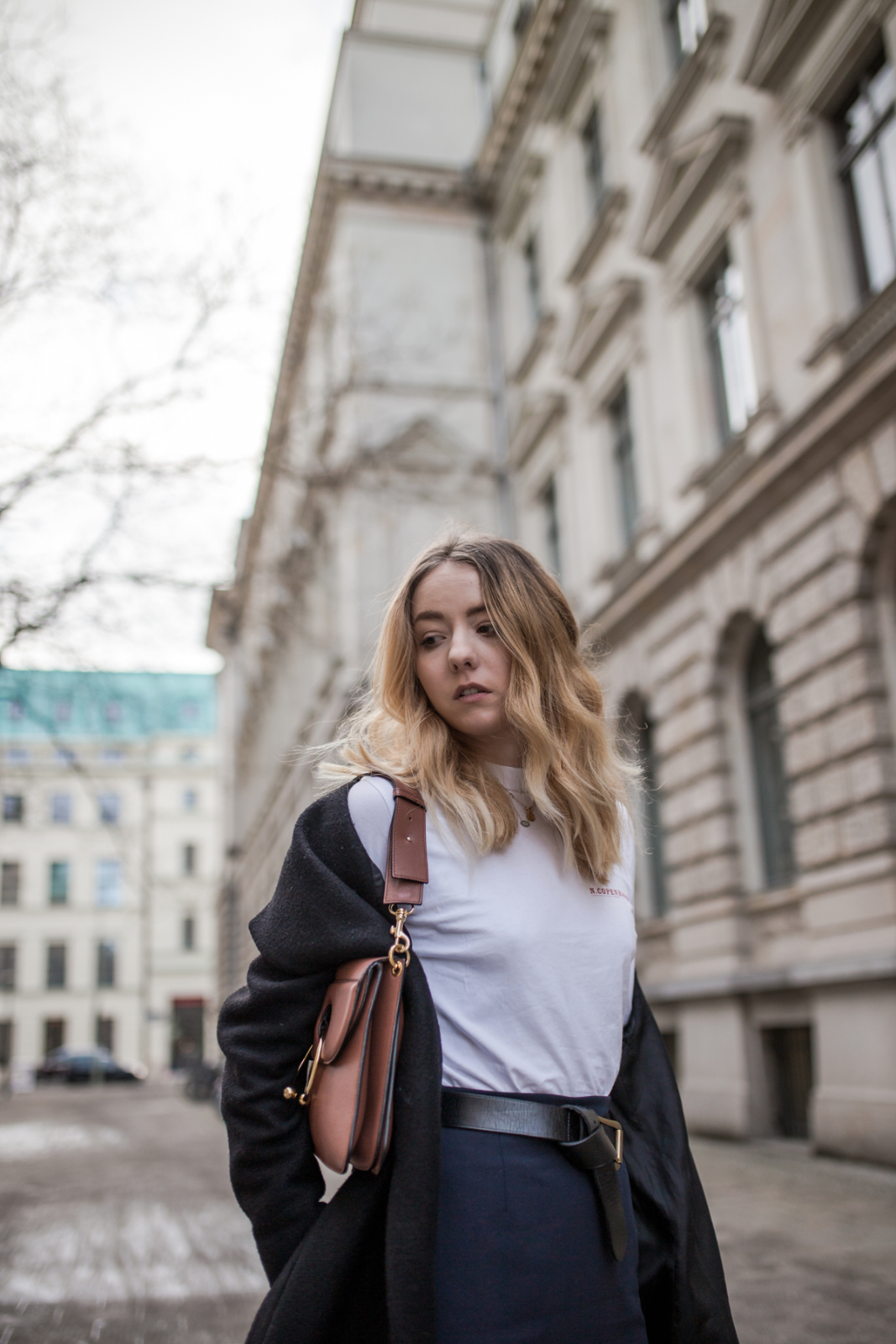 Pencil Skirt -J.W. Anderson-Pierce-Bag-The-Limits-of-Control-Fashion-Fashionblogger-Blogger-Berlin-Deutschland-Modeblog-Modeblogger