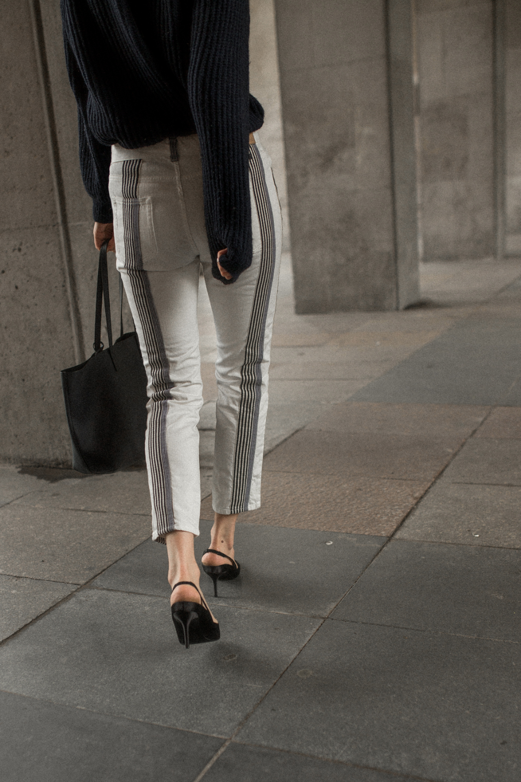 Slingback_Pumps_Berlin_The-Limits-of-Control-Fashion-Fashionblogger-Blogger-Berlin-Deutschland-Modeblog-Modeblogger