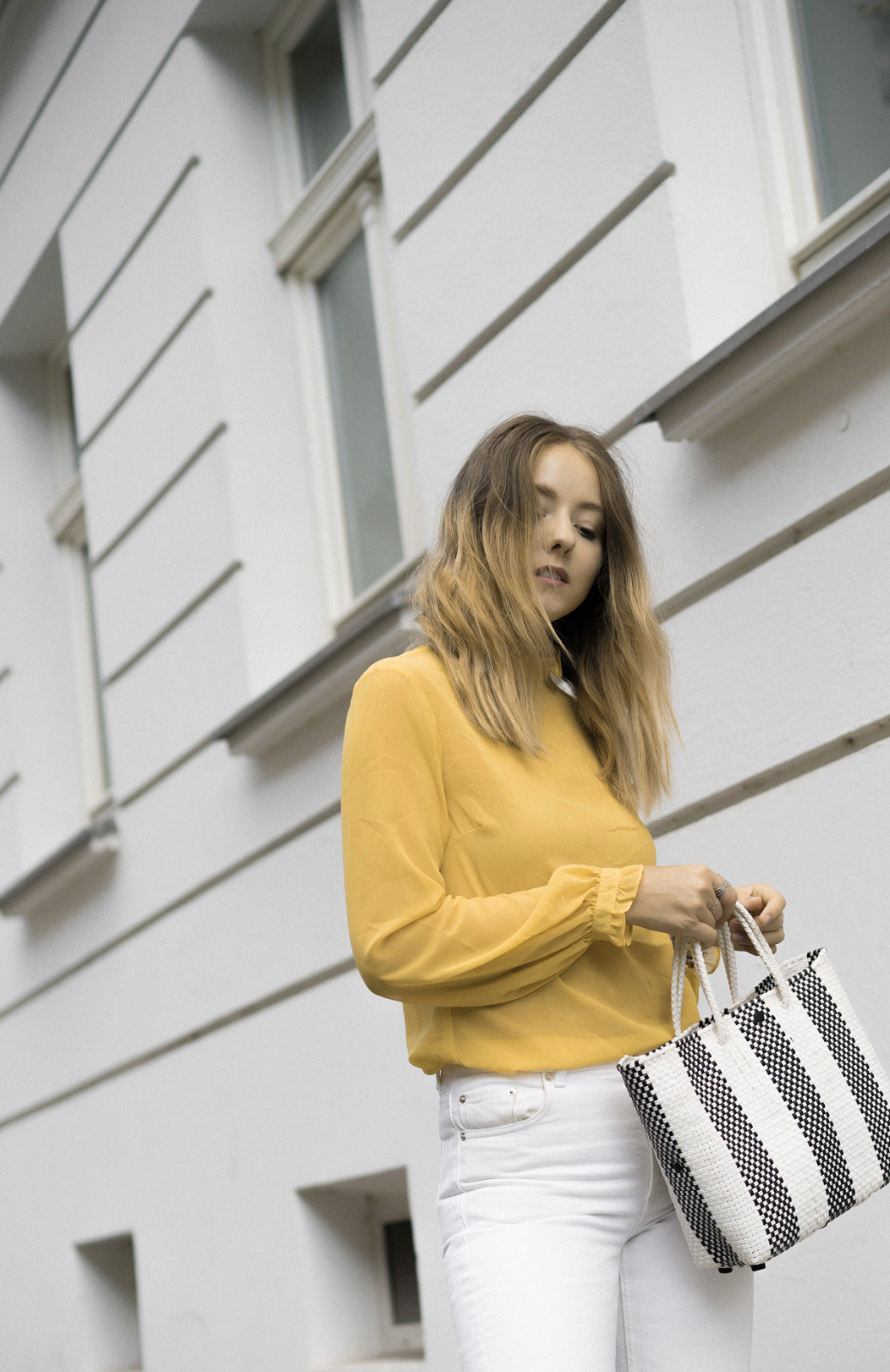 White&Yellow_TheLimitsofControl_Fashionblogger_Berlin_Deutschland_Germany