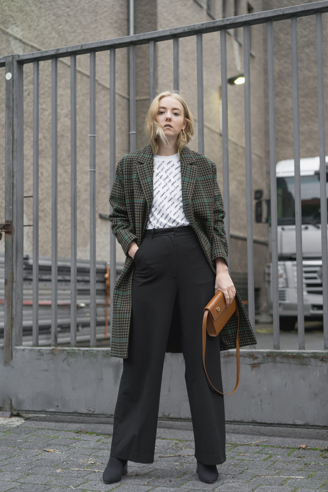 blog_instagram_Blogger_Fashion_deutschland_beauty_style_bloggerin_travel_berlin_thelimitsofcontrol_checked Coat_2