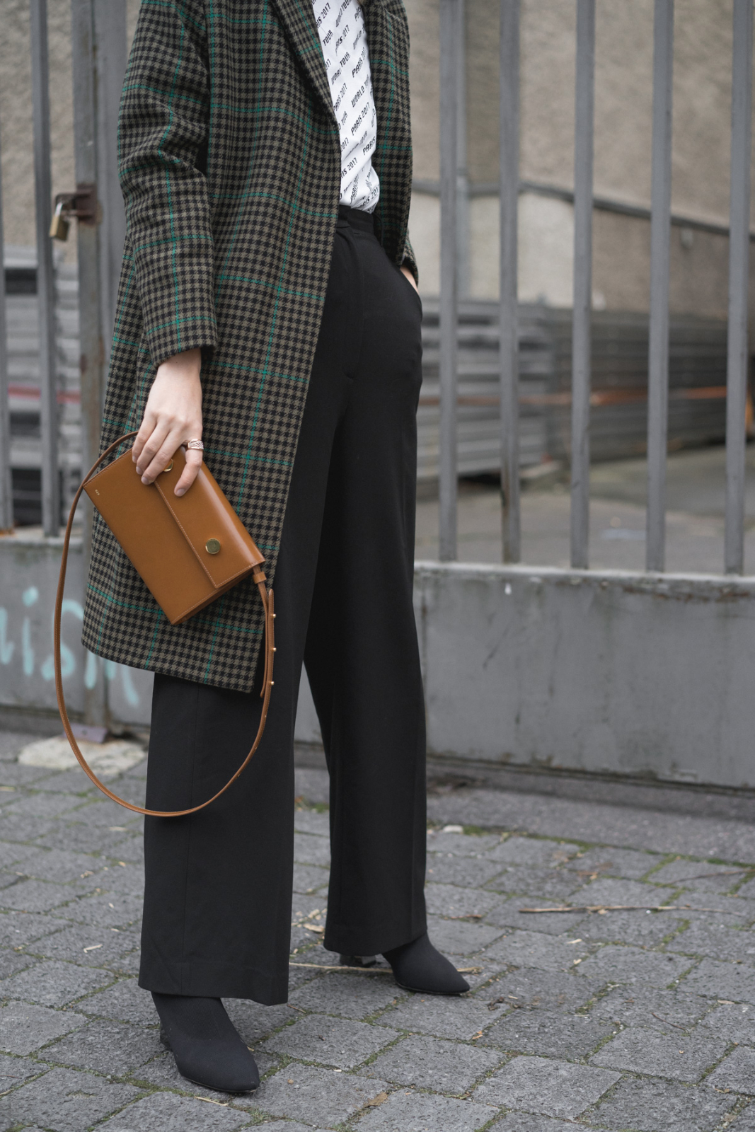blog_instagram_Blogger_Fashion_deutschland_beauty_style_bloggerin_travel_berlin_thelimitsofcontrol_checked Coat_9