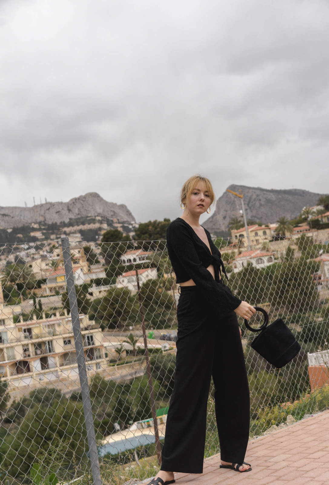 Outfit: All Black L.A. Vibes