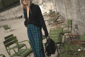 Outfit: Troyer Sweater im Jardin des Tuileries