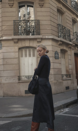 Outfit: Slouchy Glossy Boots in Paris
