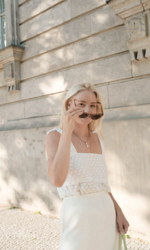 Outfit: The white Lace Top